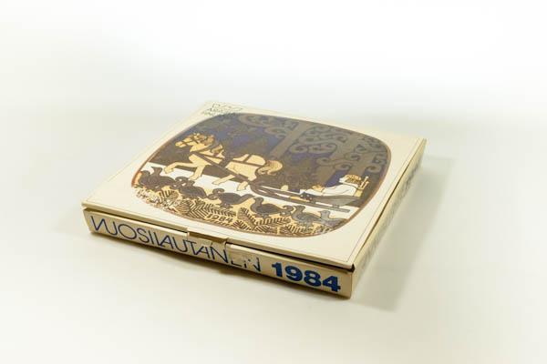 北欧雑貨 フィンランド ARABIA アラビア ビンテージ 1982 イヤープレート ライヤ・ウオシッキネン